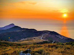 Verfärbter Horizont am Capo Rosso