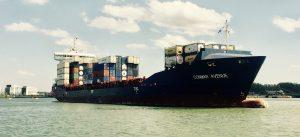 Containerschiff Conmar Avenue im Rotterdamer Hafen