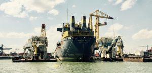 Frachtschiff Marcor Bulk 1 im Hafen von Rotterdam