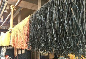 Schwarze Pasta in der Markthalle Rotterdam
