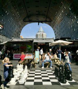 Das Schachspiel in der Markthalle Rotterdam