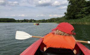 Kajaktour mit Kindern auf dem Tietzowsee an der Mecklenburgischen Seenplatte