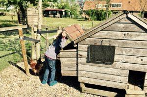 Der Hühnerstall auf dem Bauernhof - Familienurlaub in der Jurte