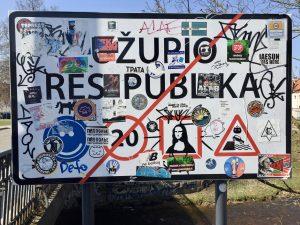 Ortsschild am Ausgang des Viertel Uzupis in Vilnius