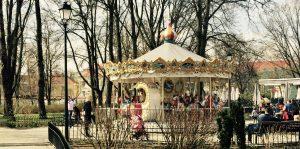 Karussell im Bernardinu Park in Vilnius
