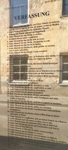 Verfassung der Künstlerrepublik Uzupis in Vilnius